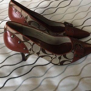 coach small heel shoe